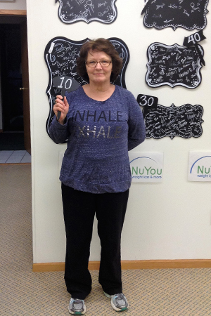 jeanne w nuyou weight loss clinic 10 pounds gone board photo